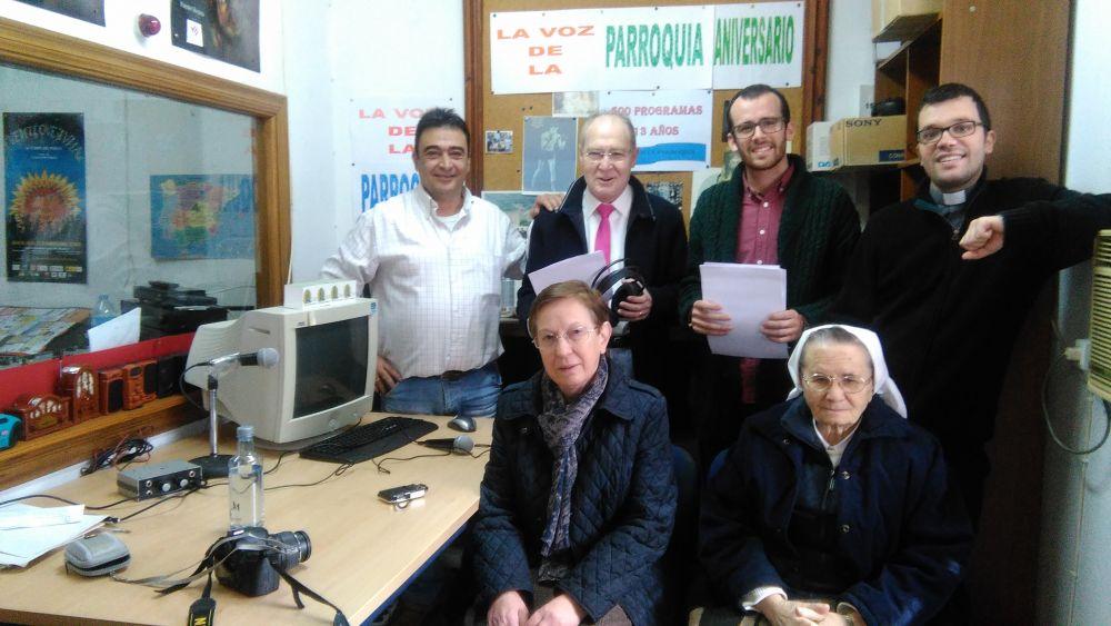 """""""La Voz de la Parroquia"""" cumple quinientos programas en Radio Una 1"""