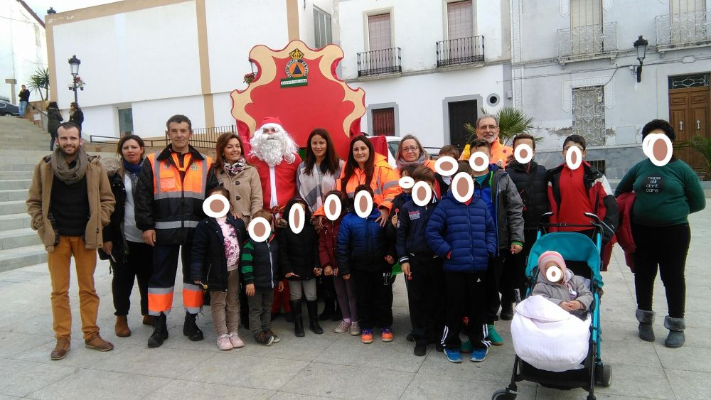 La campaña de solidaridad organizada por Protección Civil en Fuente Obejuna reúne unos 1000 kilos de alimentos para los más necesitados. 1