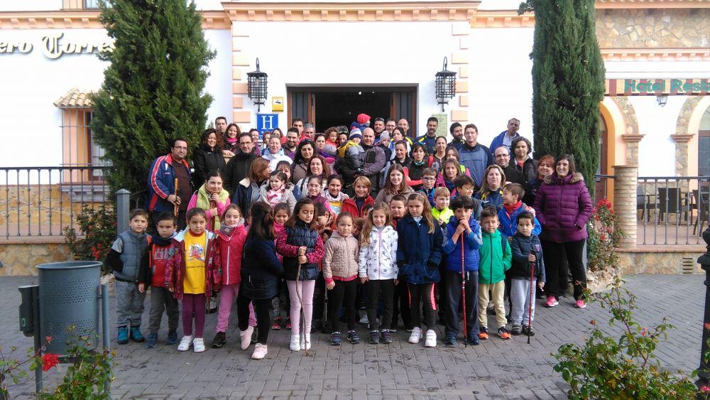 Celebrada una jornada de senderismo en Fuente Obejuna en la que participan ochenta personas 1
