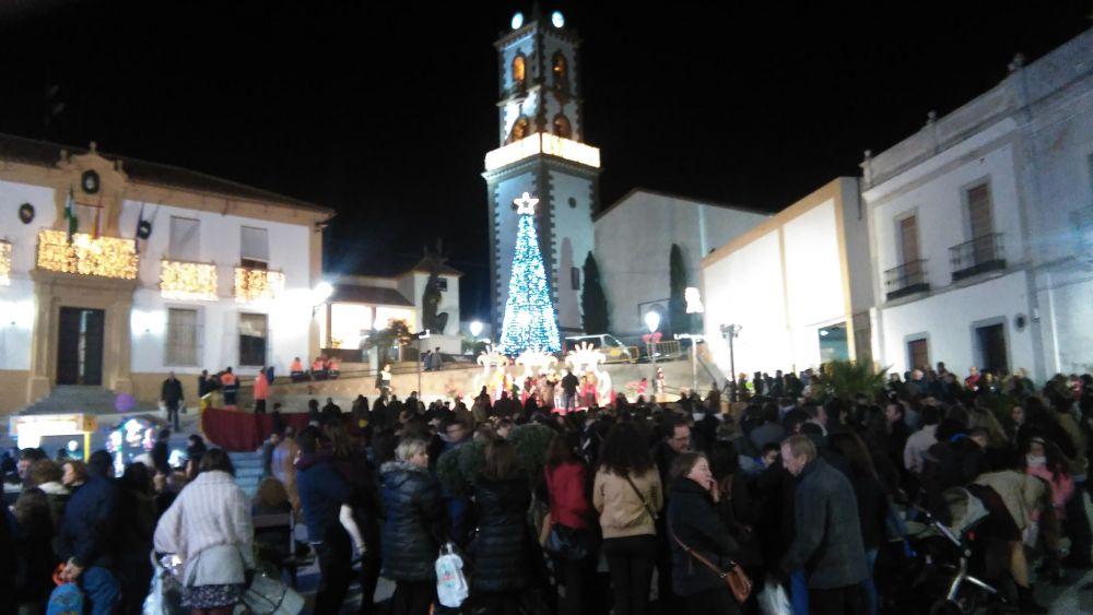 Plaza repleta de gente