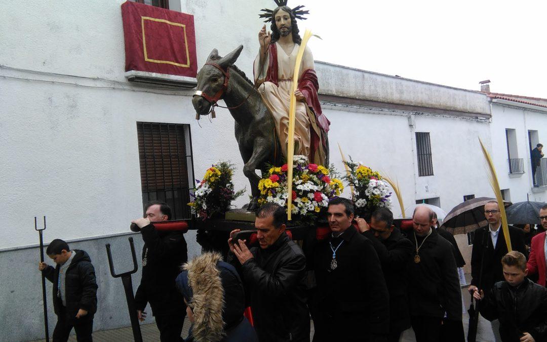La Borriquita salió en Procesión a pesar del agua en la mañana del Domingo de Ramos  1