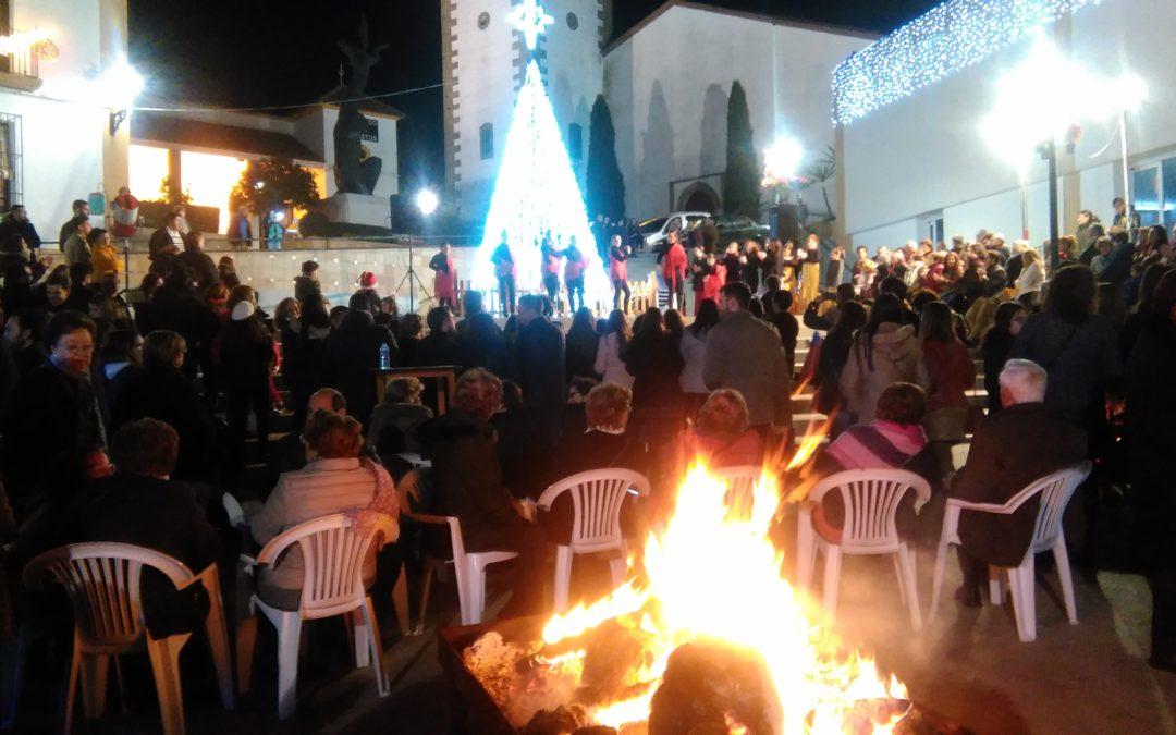 Gran participación en la Fiesta y Hoguera Navideña celebrada esta Navidad en la Plaza Lope de Vega de Fuente Obejuna 1