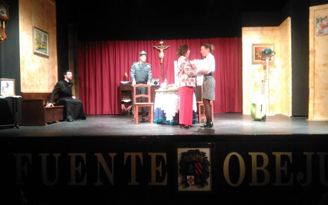 """La obra de teatro """"Alucinaciones"""" se representa en el  Teatro Municipal """"Lope de Vega"""" de Fuente Obejuna con gran éxito. 1"""
