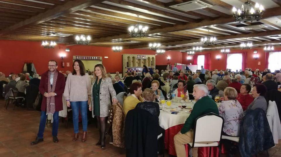 """Una comida de convivencia en la que participan 175 personas pone fin a las actividades programadas en """"Los jueves de ocio"""" por el Ayuntamiento de Fuente Obejuna 1"""
