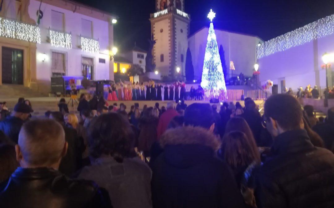 Gran fiesta y hoguera navideña en la Plaza Lope de Vega de Fuente Obejuna para dar la bienvenida a la Navidad en este 2019 1