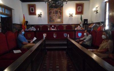 Los agentes de la Policia Local de Fuente Obejuna reciben la felicitación individual del Pleno por su contribución en la lucha contra la COVID-19