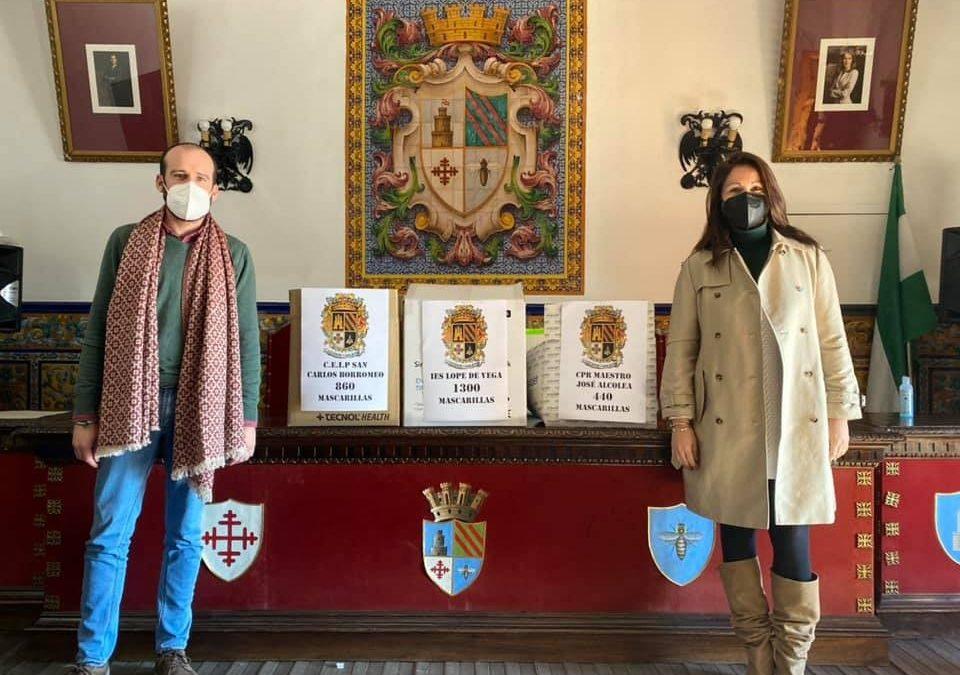El Ayuntamiento de Fuente Obejuna entrega más de 2500 mascarillas a los Centros Escolares de la localidad para todo el alumnado
