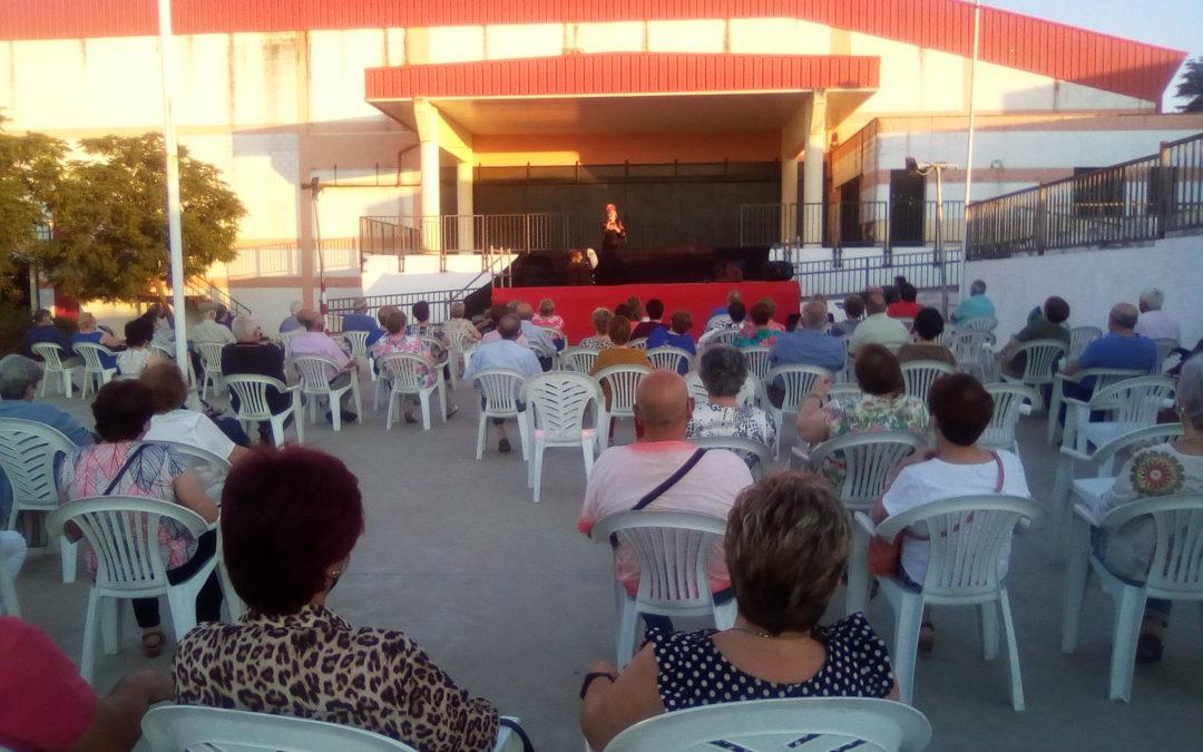Teatro Cómico y Copla en la primera actividad para los mayores de Fuente Obejuna tras la vacunación